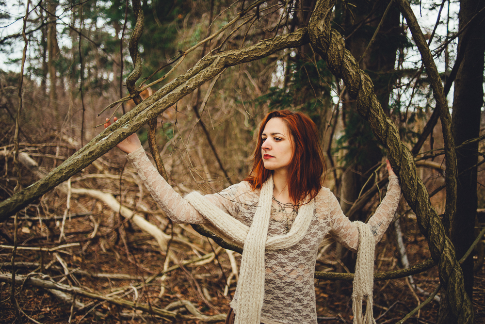victoria_styled_shoot_wading_river_ny_winter_lake_woods_long_island_portrait_photographer-037.jpg