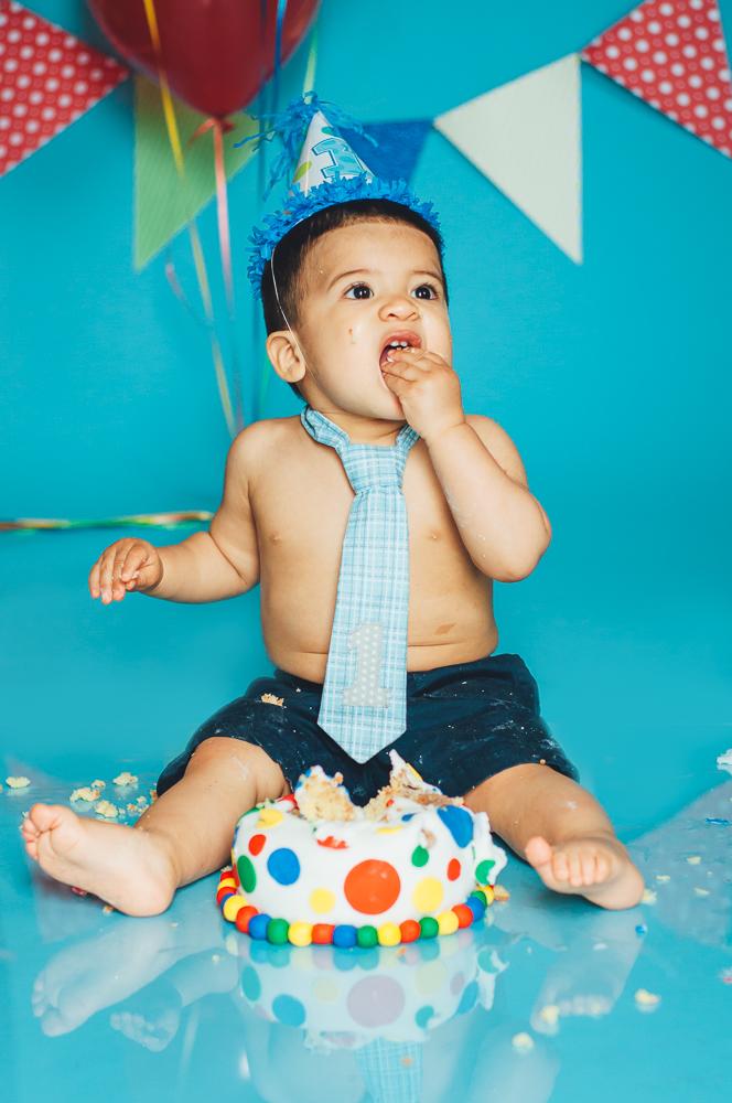 Matthew_first_birthday_cake_smash_photography_long_island_ny_photographer_baby_photography-5.jpg