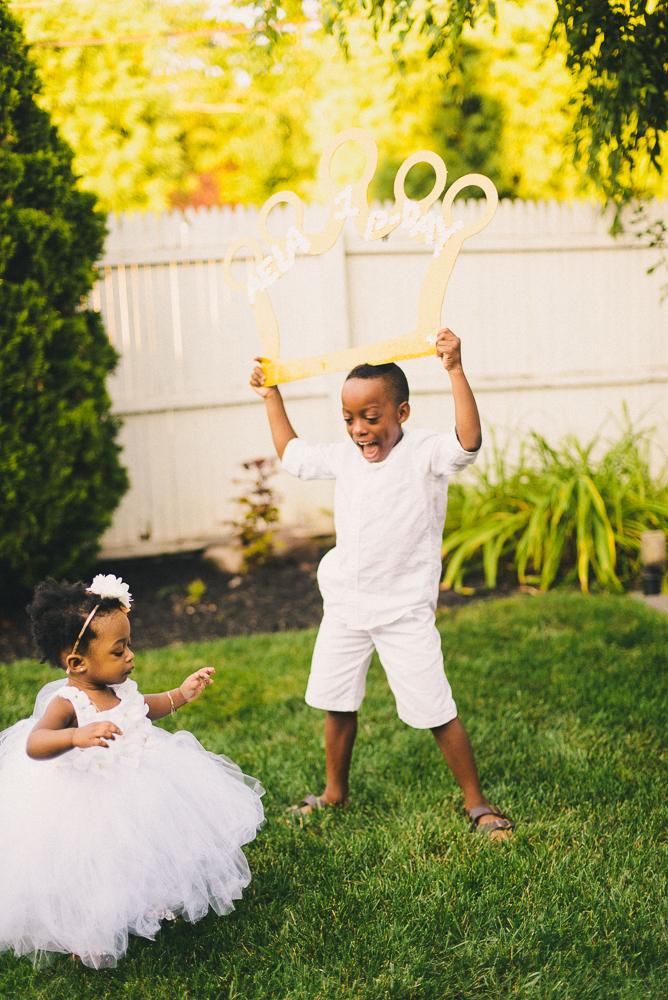 Aela_first_birthday_photography_long_island_ny_photographer_baby_lifestyle_backyard_sibling_photography-2.jpg