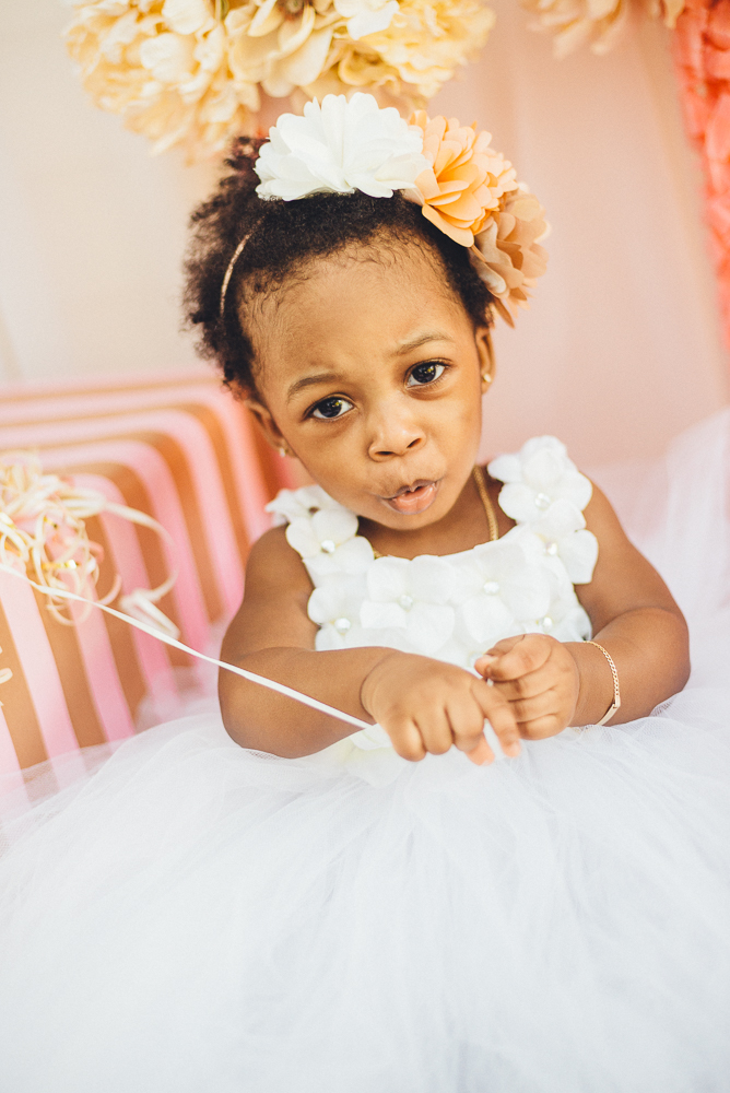 Aela_first_birthday_photography_long_island_ny_photographer_baby_lifestyle_backyard_cake_smash_photography-1.jpg