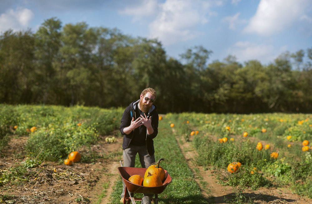pumpkin-picking-long-island-ny-brenizer-method-bokeh-panorama-sunny-fall-autumn.jpg