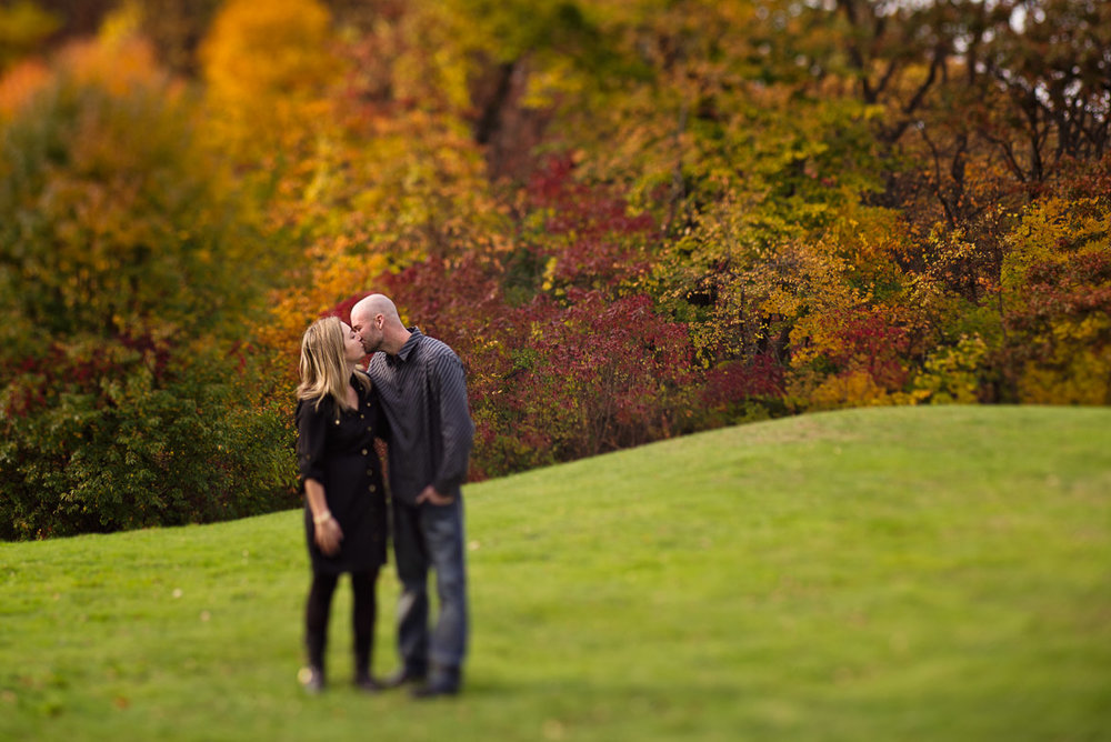 engagement-photography-vanderbuilt-estate-autumn-long-island-ny-fall-leaves-couple-lensbaby-edge-80.jpg