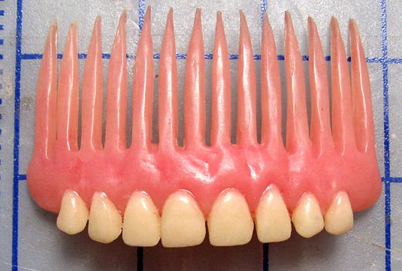 TOOTH COMB
