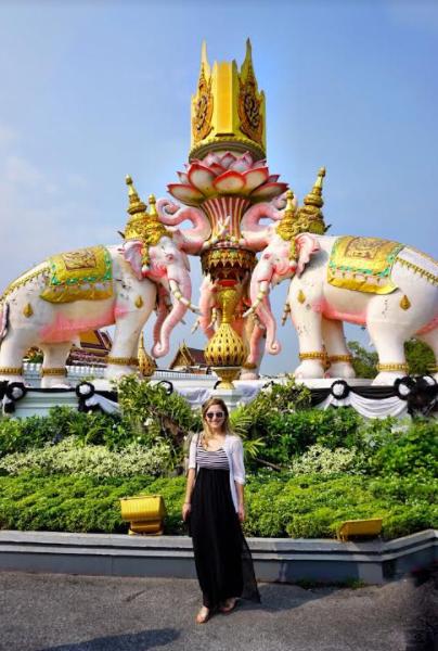Kunchorn Vary elephant statue near Wat Phra Kaew