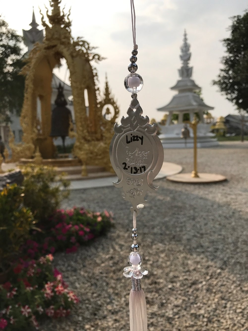 Make a wish that'll live in the White Temple
