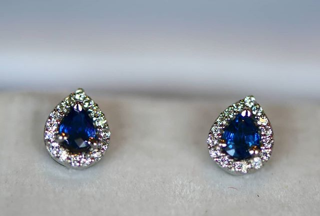 These sapphire ear studs were made for a friend to replace his wife's missing pair.  Blue sapphires from Sri Lanka, white zircon from Cambodia, smithing from Thailand.  Truly Asian.  #bluesapphire #srilanka #ceylon #zircon #whitezircon #Cambodia #thailand #sapphire #sapphires #bluesapphires #zircons #gemstone #gemstones #Loupin #loupinjewels #jewellery #showmeyourearrings #earstuds #earrings #trulyasian #asian #customisedjewellery #customizedjewellery