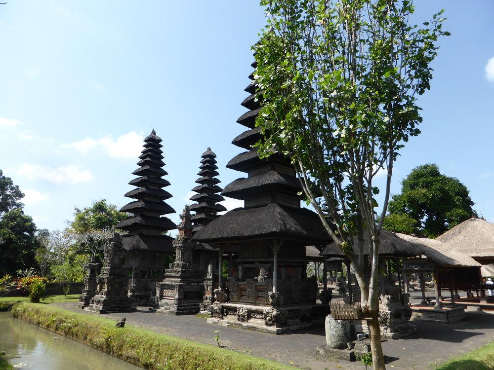 Mengwi, Bali, Indonesia, @acrosslandsea