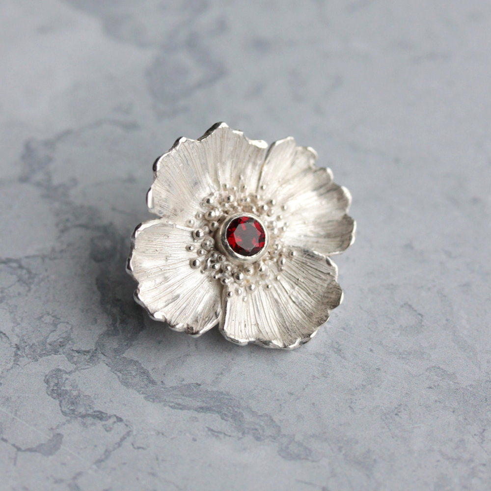 poppy_brooch_1.jpg