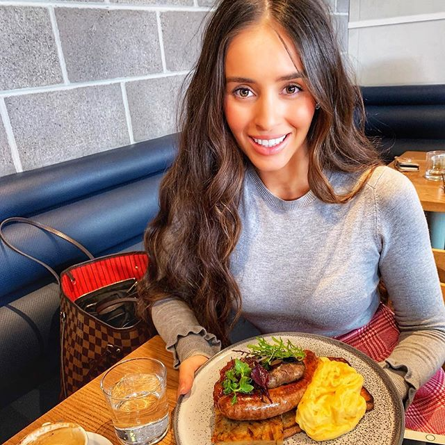 Brunching our way through Sunday 😇😘 @stmartincafe 🥑🥖☕️🥐🥓