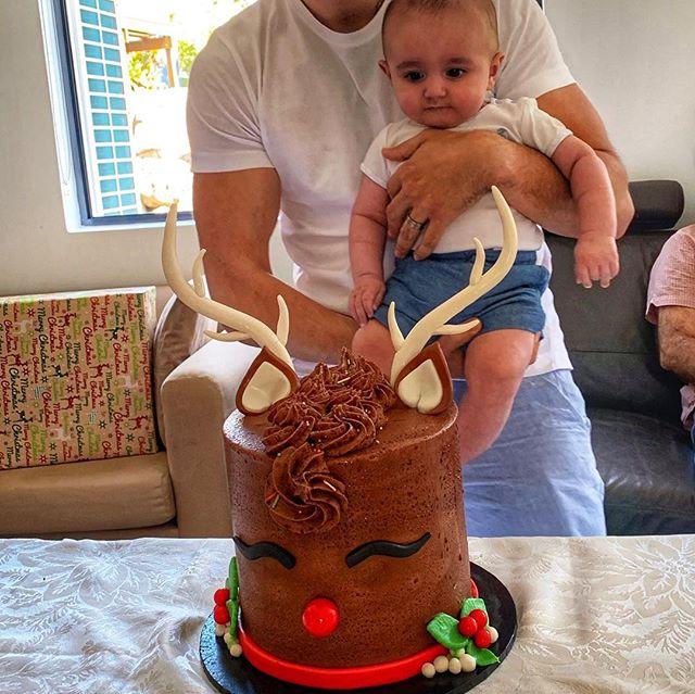 Leo eyeing off Christmas cake from @brisbanecakes 🙉😍💝 #christmas #christmascake #dessert #baby