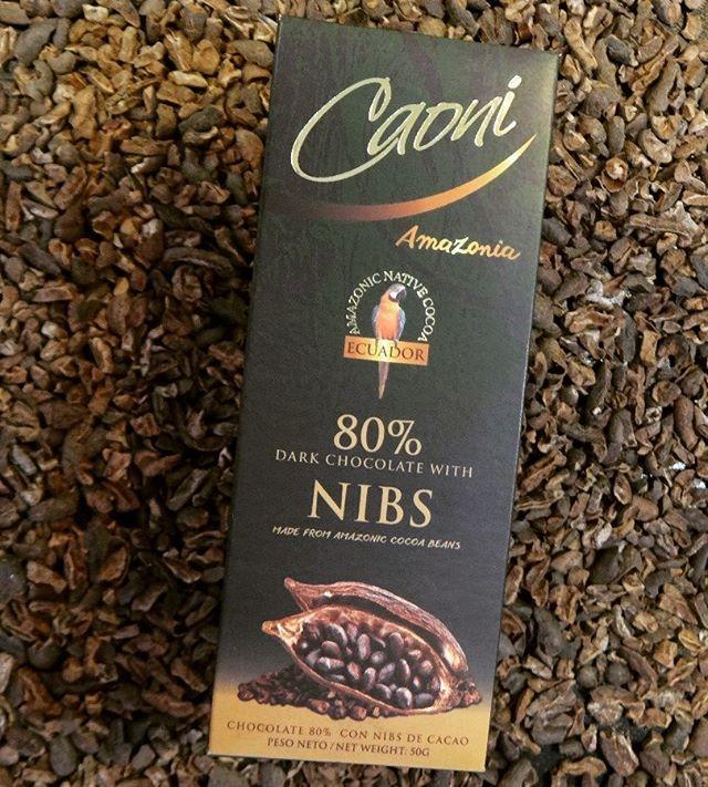 No te puedes perder el sabor inigualable de nuestro chocolate 80% Cacao Amazónico, con esos trocitos de cacao que deleitan el paladar de cualquiera!! #ChocolateNegroAmazonia #Nibs #SaboresIntensos #CaoniChocolate
