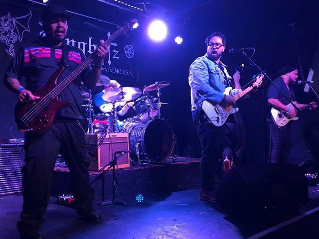 Summer's over but we keep rockin' hard. @sunday_brave #sundaybravenj . . . . . #frontman #drummer #komitedsoundz #music #goodmusic #instamusician #musicvideo #musicislife #musiclovers #bestmusic #band #ilovemusic #musiclifestyle #musicvibes #rock #liveformusic #postmetal #heavymusic #rockband #rockphoto #bandphoto #rockmusic #rockstar #rockon #hardrock #liveperformance #tunes #musicman #musicianlife