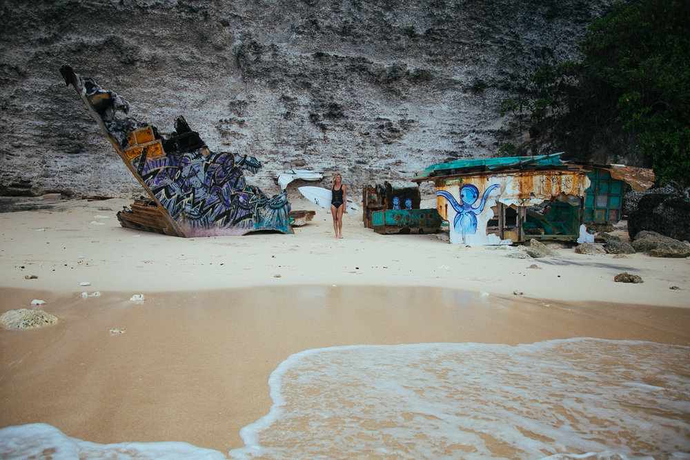 Photo by Annie Senechal in Uluwatu, Bali, Indonesia //   @mondaynomads   //  MondayNomads.com