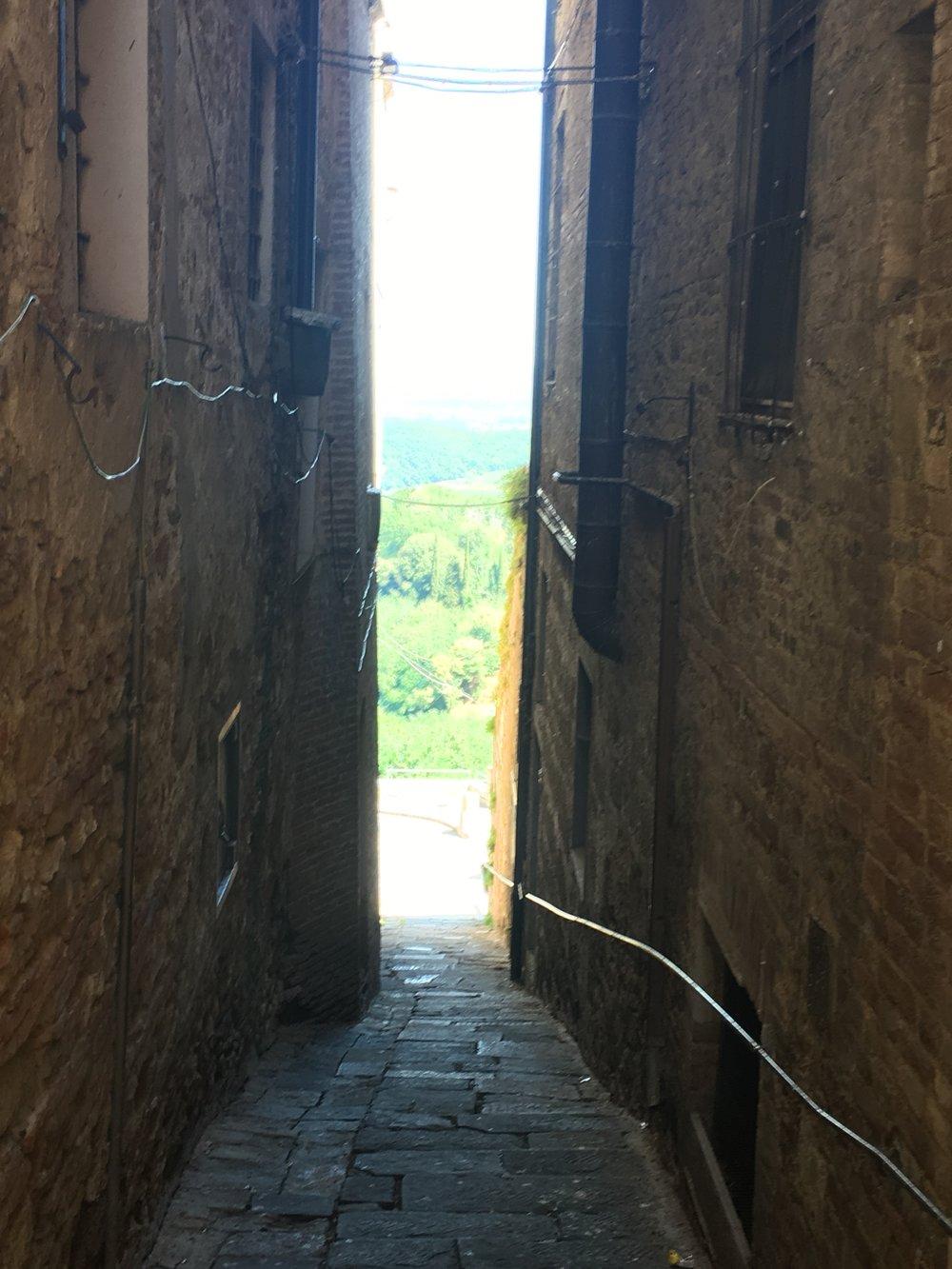 A narrow way, somewhere in the Tuscany region of Italy