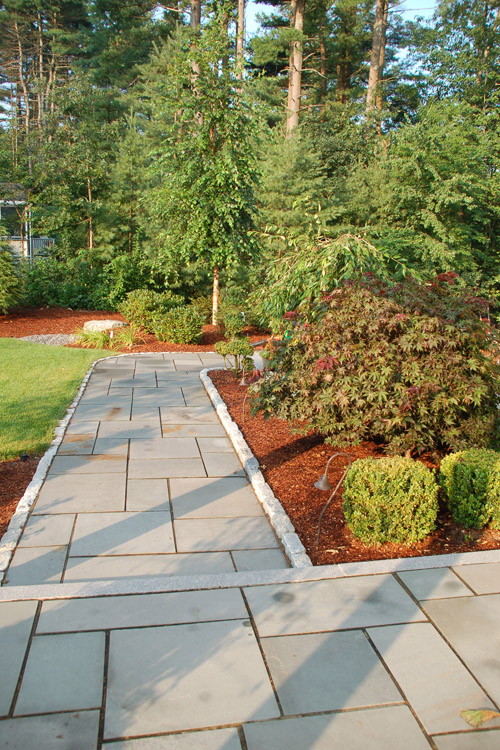 Bluestone Walkway with Cobblestone Borders