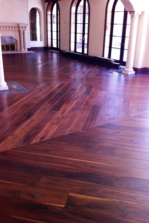 gwyneth floor vid.jpg