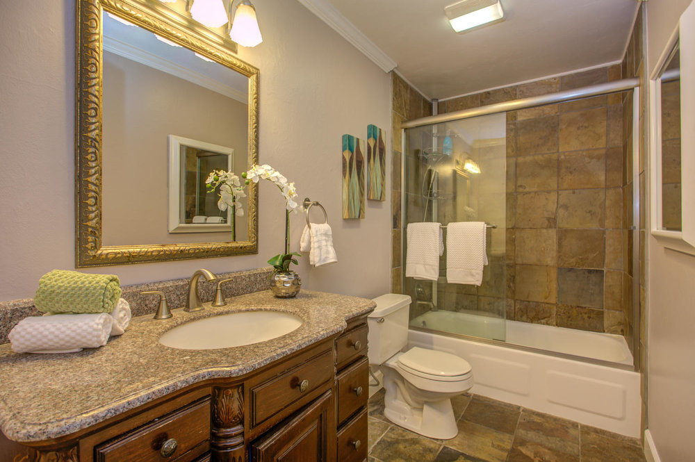 14245 Lora Dr Unit 10 Los-large-023-9-Full Bathroom-1500x999-72dpi.jpg