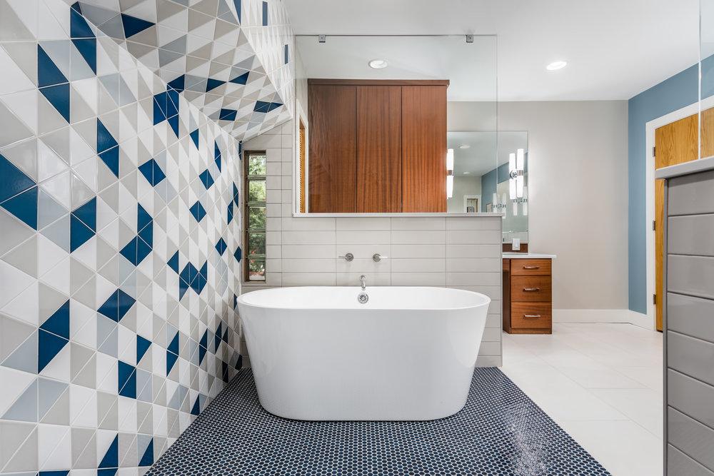 20190416 Master Bath 1.jpg