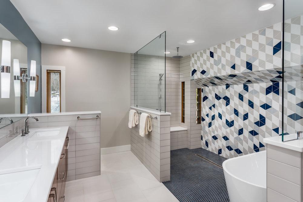 20190416 Master Bath 2.jpg