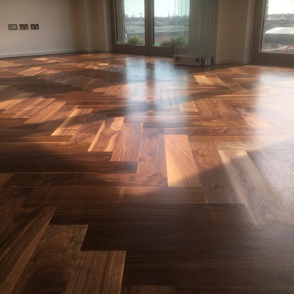 walnut_floor.jpg