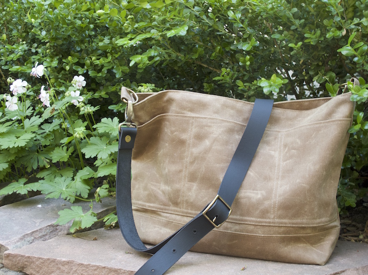 Sewn in a nice neutral color, the Bramble is a perfect everyday bag