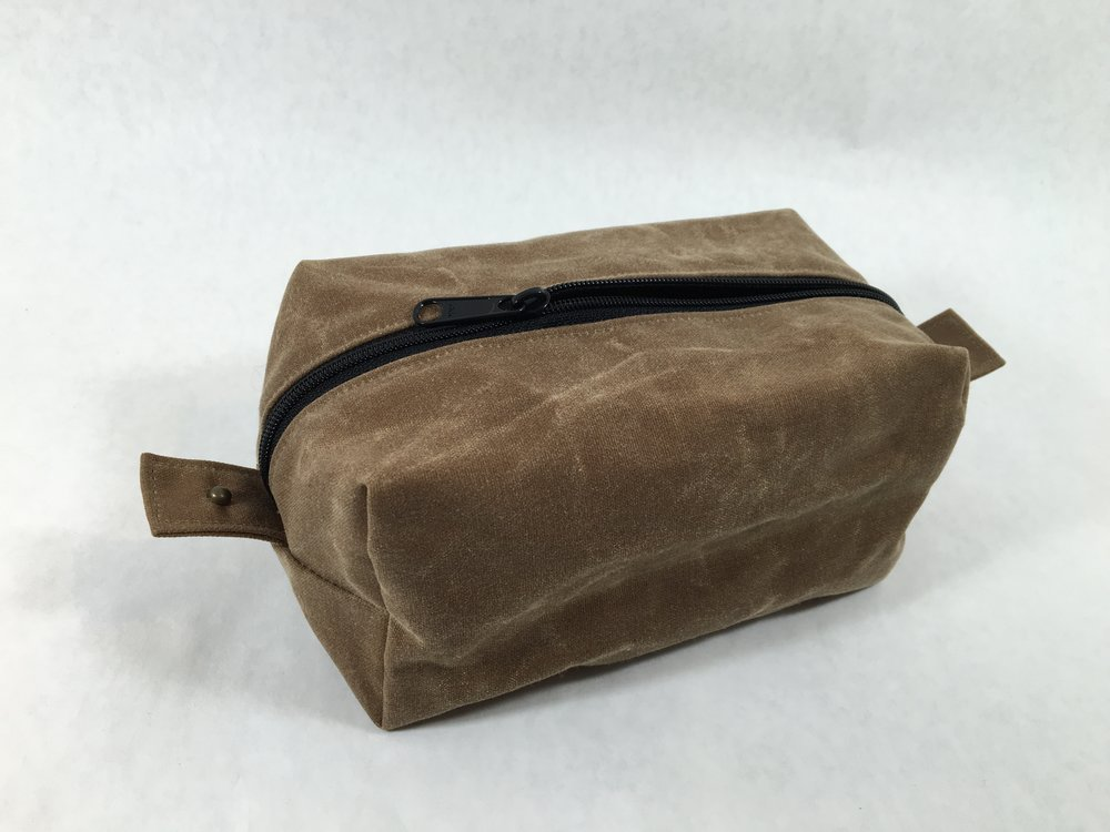 Red Rabbit Mercantile Benjamin Dopp Kit in Field Tan Waxed Canvas