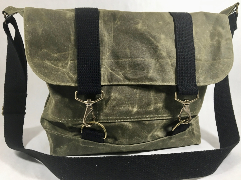 McGregor Field Tote in Olive Waxed Canvas