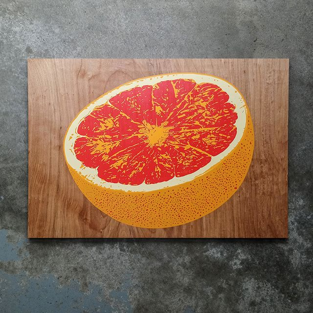 """Is it a grapefruit or blood orange? You be the judge. These citrus screen prints are fresh up on our website. Limited run of 50 prints. Original artwork and hand screen printed on 14"""" x 20"""" birch. We'll be adding limited runs of other original wood screen prints to our store, so if you like what you see, keep your eyes peeled.  #orange #citrus #grapefruit #art #screenprinting #screenprint #woodworking #woodart #wallart"""