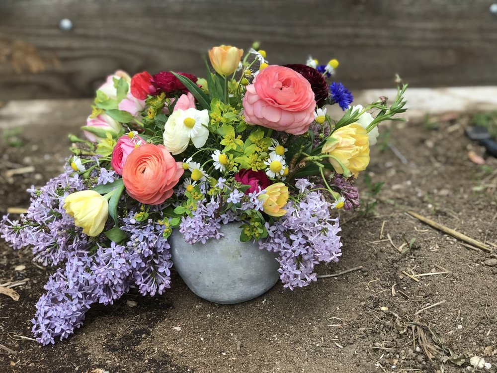 2018mother'sdayarrangementindirt.jpg