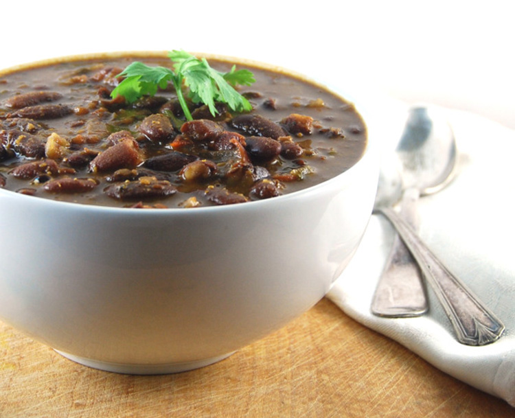 Rajma (Red Beans in Curry Sauce) via Holy Cow Vegan