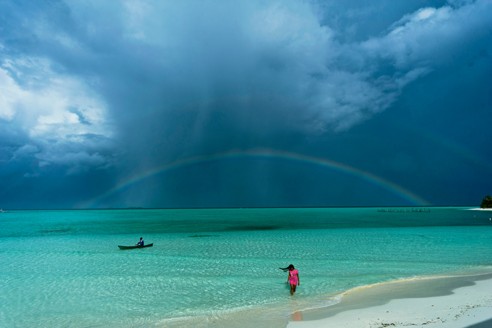 Onuk island, Balabac Palawan, Philippines    I want to go back.    (via  National Geographic Photography Contest Winners: 2011 - The Big Picture - Boston.com )