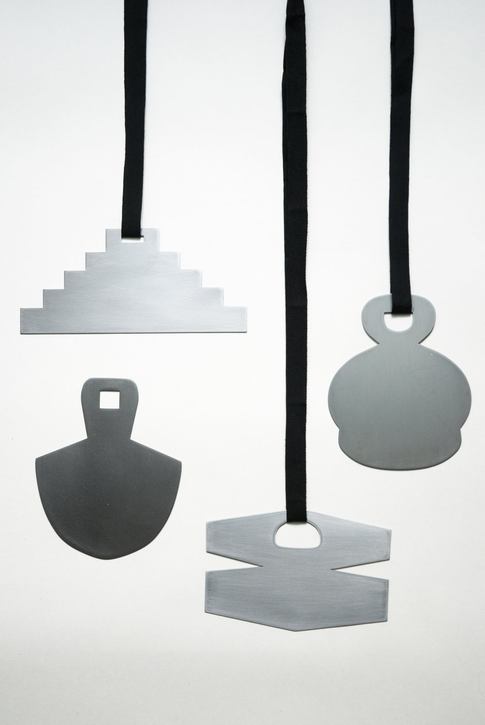 Ferro / Iron (large pendants)