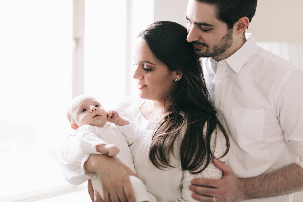 @DaniellePhotographySA_NYC_Camilla_Paulo_Newborn27.jpg