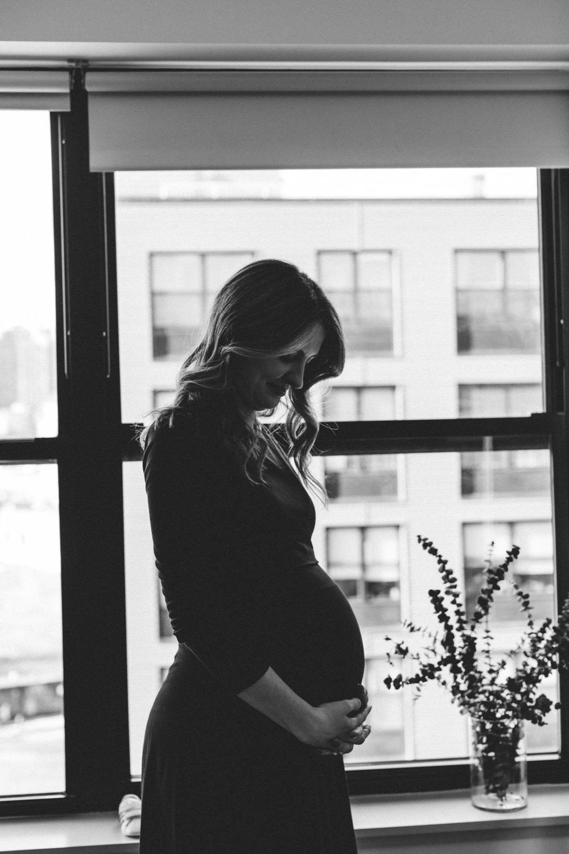 @DaniellePhotographySA_Maternity_Photoshoot_NYC-33.jpg