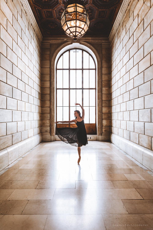 @DaniellePhotographySA_Ballerina_Photoshoot_NYPL-23-14.jpg