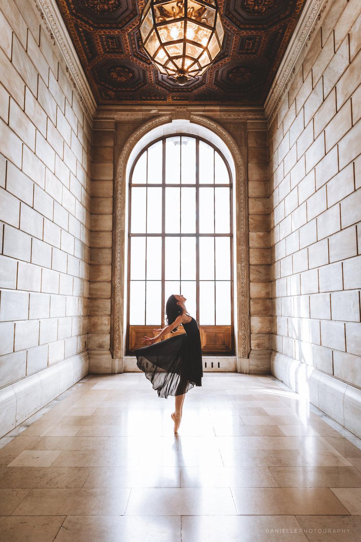 @DaniellePhotographySA_Ballerina_Photoshoot_NYPL-23-15.jpg