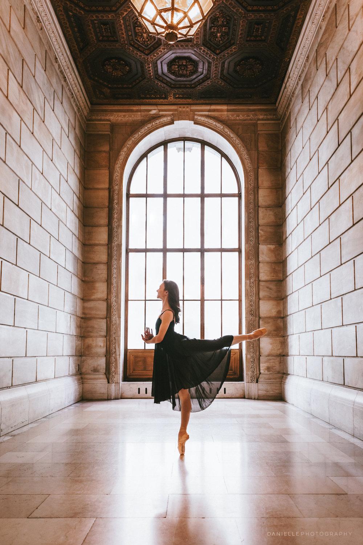 @DaniellePhotographySA_Ballerina_Photoshoot_NYPL-23-24.jpg