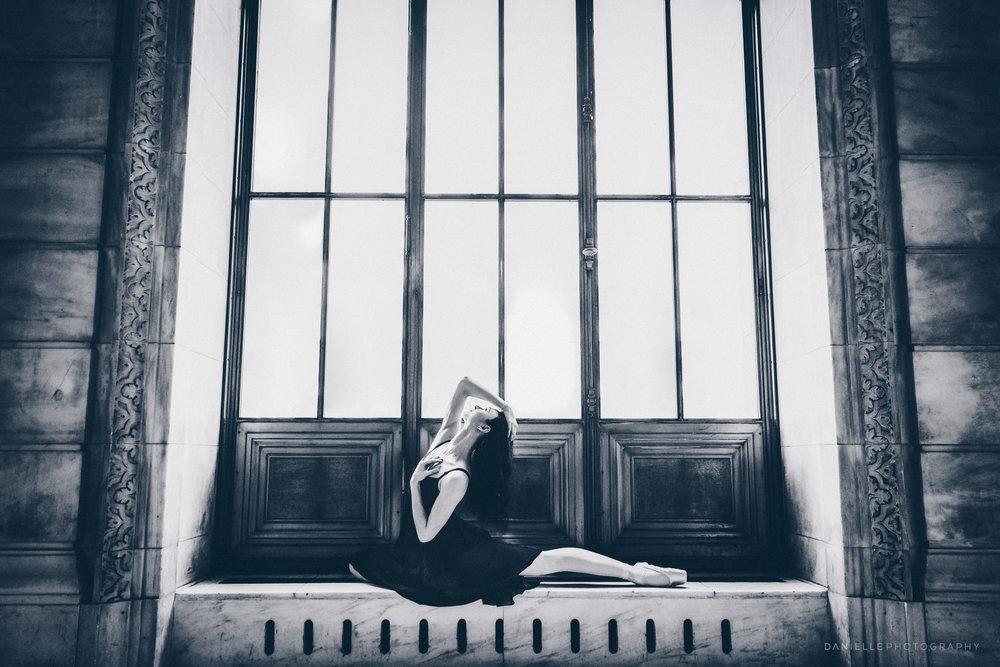 @DaniellePhotographySA_Ballerina_Photoshoot_NYPL-23-29.jpg