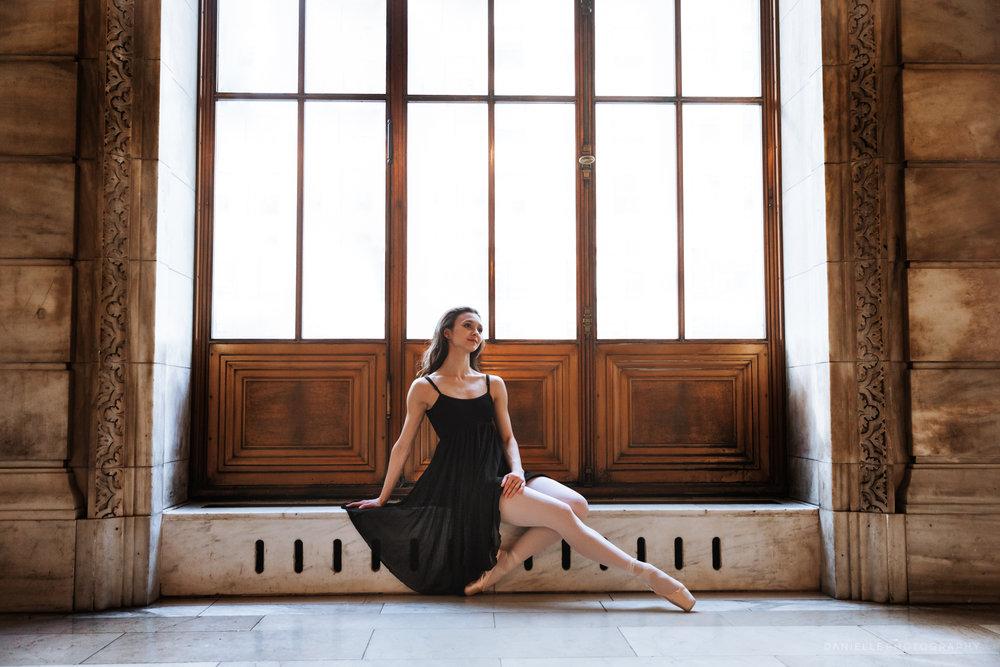 @DaniellePhotographySA_Ballerina_Photoshoot_NYPL-23-32.jpg