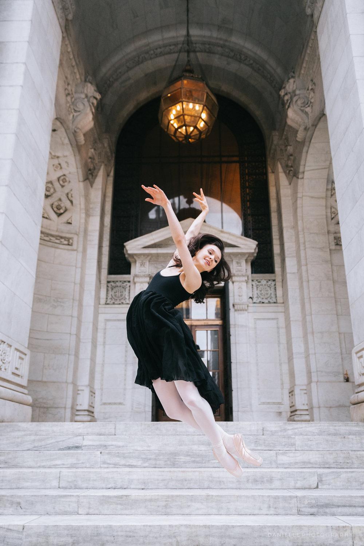 @DaniellePhotographySA_Ballerina_Photoshoot_NYPL-23-39.jpg