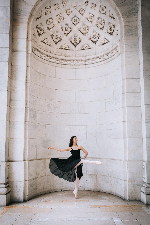 @DaniellePhotographySA_Ballerina_Photoshoot_NYPL-23-38.jpg