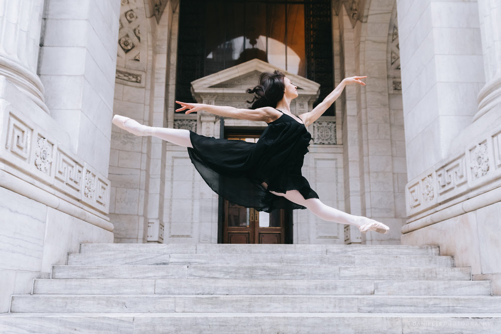 Ballerina Camila Rodrigues at the New York Public Library by @DaniellePhotographySa