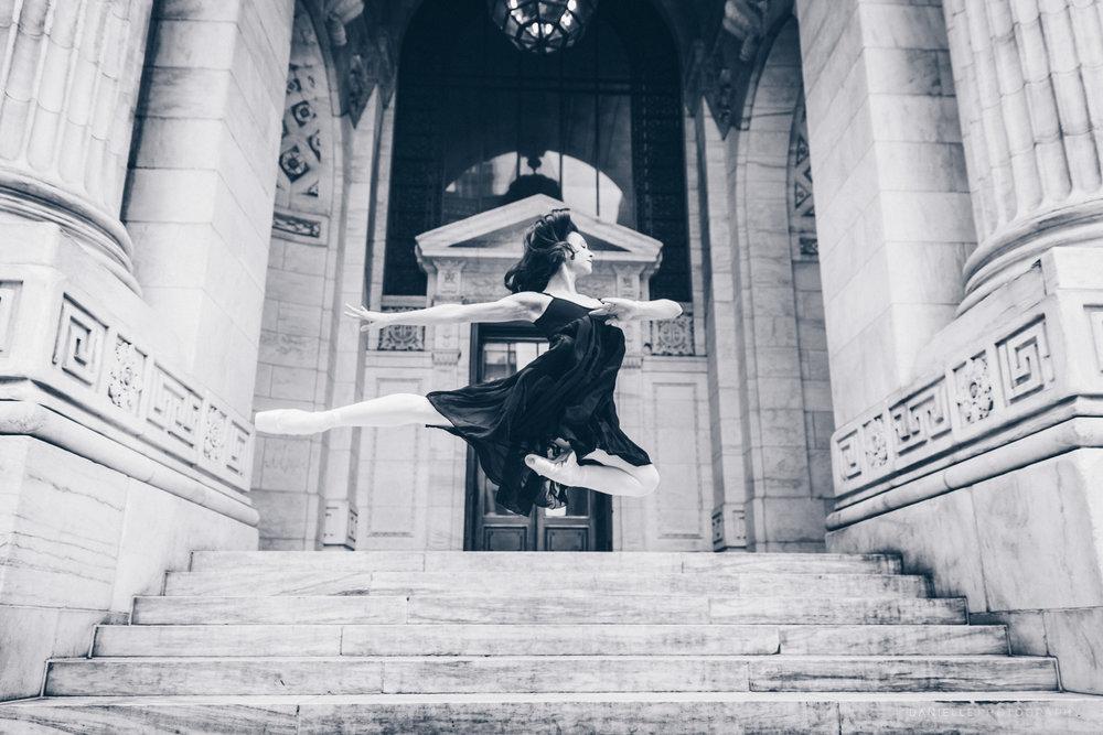 @DaniellePhotographySA_Ballerina_Photoshoot_NYPL-23-41.jpg