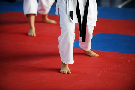 39929681_S_karate_martial_arts_feet.jpg