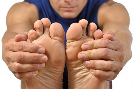 14302602_S_Feet_Bottom of the Feet_Stretches_excercise.jpg
