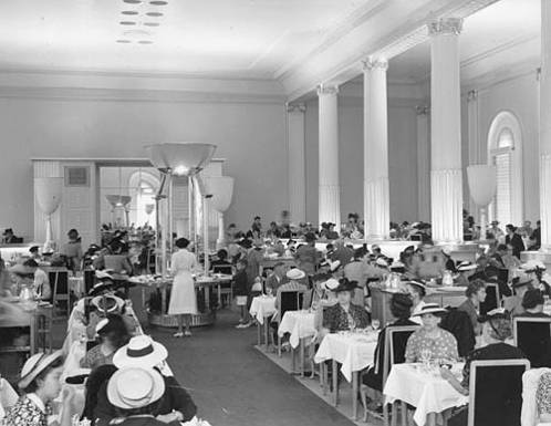 Eaton's Georgian Room as it looked in the late 1930s.