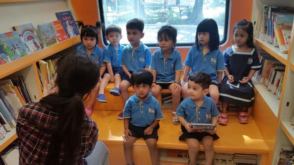 Alora Mini Molly Library Bus 2 (9 February 2018).jpg
