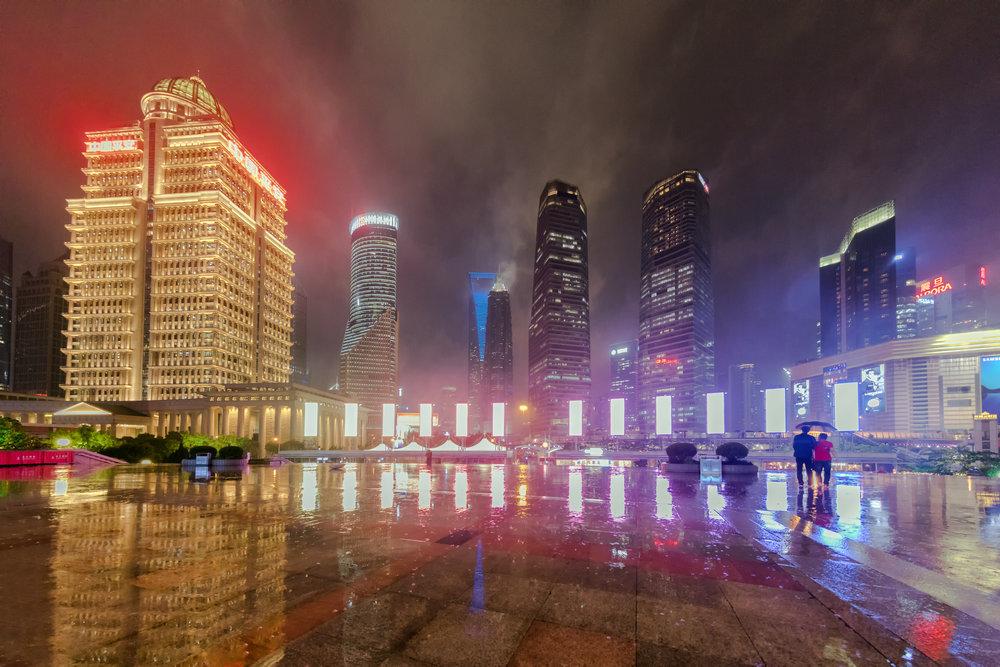 Pudong, zona ultramoderna a orasului, chiar langa The Pearl