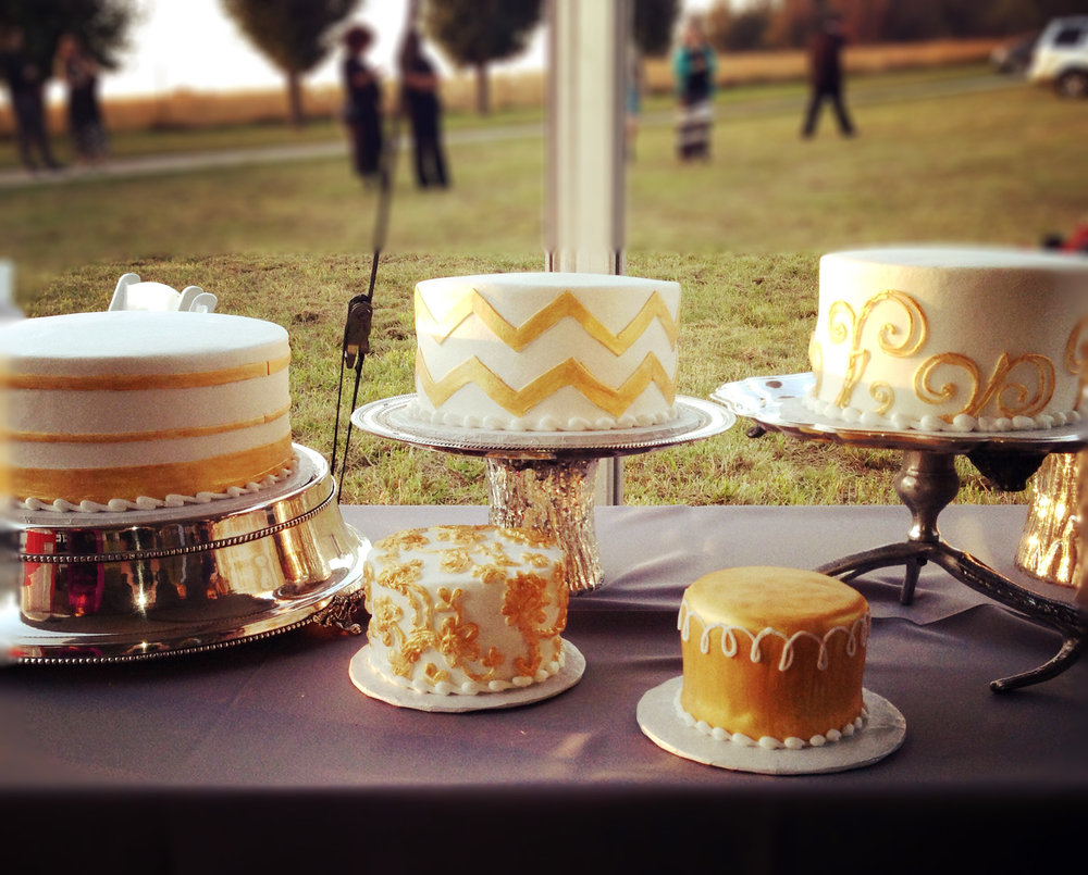 White and Gold wedding cake grouping