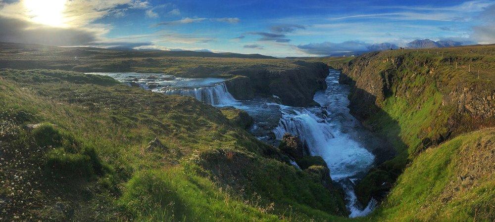 IcelandWaterfall2